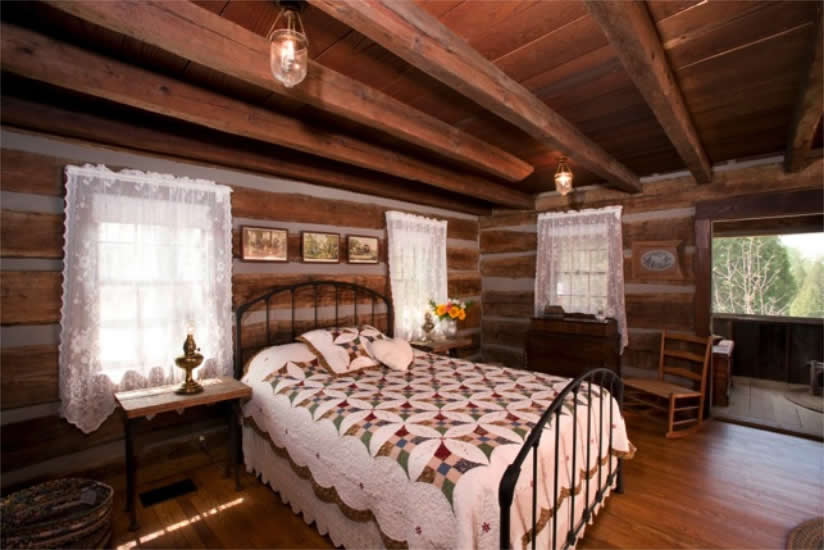 The Master bedroom at The Pioneer Trading Post