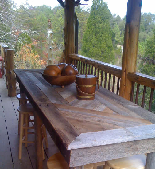 The outdoor dining area overlooking Douglas Lake